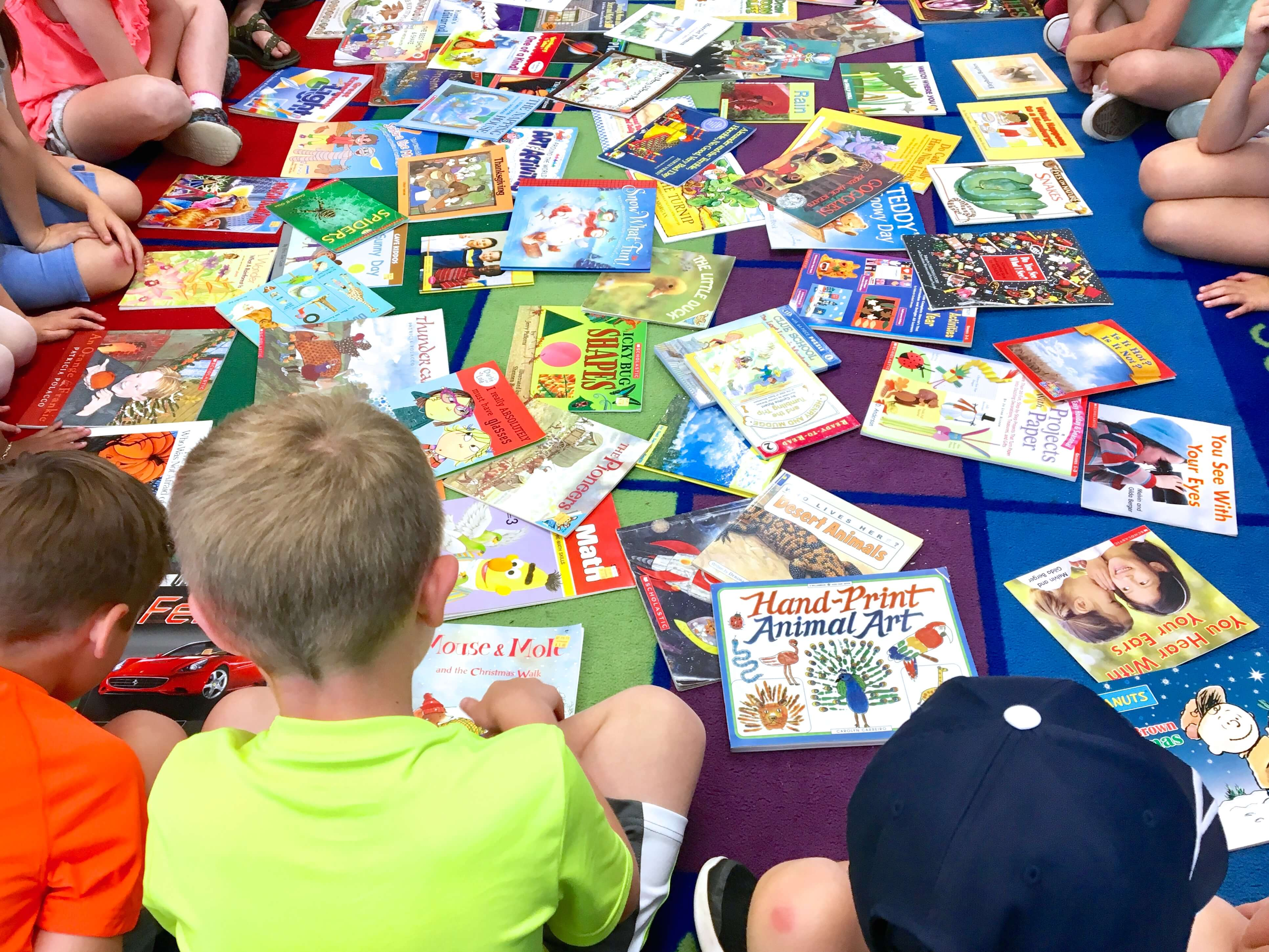 The books are books students wants to read and can be read by themselves 2ef2840841626